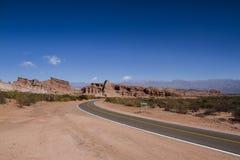 Rotas longas através das montanhas Fotografia de Stock Royalty Free