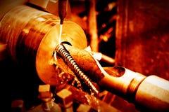 Rotation industrielle, filetant la machine au travail Photo libre de droits