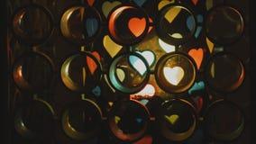 Rotation isolée colorée de coeurs clips vidéos