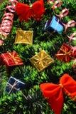 Rotbögen und viele Geschenke Stockfotografie