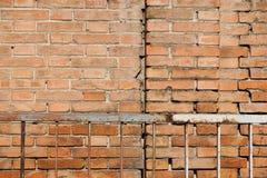 Rotbrauner vereinbarter Beschaffenheitshintergrund der Blockbacksteinmauer schön Lizenzfreie Stockfotografie