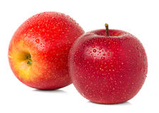 Rote Äpfel mit Wassertropfen Stockfoto
