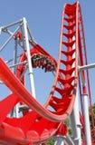 Rote Achterbahn Stockfoto