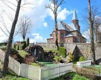 Rote alte Kirche, Litauen Lizenzfreies Stockbild