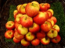 Rote Apfel-Hintergrund-Beschaffenheit stockfoto