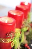 Rote Aufkommen-Kerzen Lizenzfreies Stockfoto
