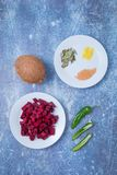 Rote-Bete-Wurzeln Cocunut Chili Spices stockfotos