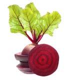 Rote-Bete-Wurzeln mit Blättern Stockfotografie