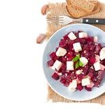 Rote-Bete-Wurzeln Salat mit Feta Lizenzfreie Stockfotografie