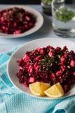 Rote-Bete-Wurzeln Salat mit Zitrone Lizenzfreie Stockfotografie