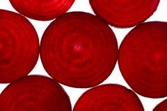 Rote-Bete-Wurzeln Scheiben von oben Lizenzfreie Stockfotografie