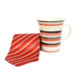 Rote Bindung und Kaffeetasse Stockfoto