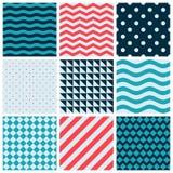 Rote blaue bunte Wellen-Vektor-Zusammenfassungs-geometrisches nahtloses Muster-Design-Sammlungs-Dekorations-Netz lizenzfreie stockfotografie