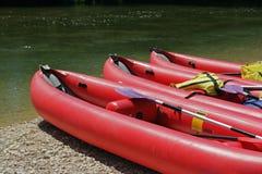 Rote Boote Stockbild