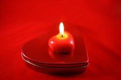Rote brennende Kerze Lizenzfreie Stockfotografie
