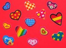 Rote bunte Herzen Stockfotografie