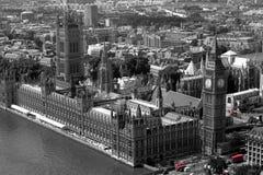 Rote Busse in Westminster Lizenzfreies Stockbild