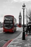 Rote Busse - Westminster-Brücke Stockbilder