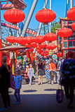 Rote chinesische Laternen Kopenhagens, Dänemark an Tivoli-Gärten Stockbild