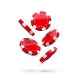 Rote Chips des Kasinos, auf Weiß, brechen Ikone, in einer Luft, fallen unten, realistische Gegenstände, mit Schatten ab Lizenzfreies Stockbild