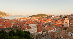 Rote Dächer im UNESCO-Erbe Dubrovnik Lizenzfreie Stockfotografie