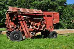 Rote Dreschmaschine Stockbild