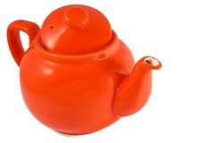 Rote englische Teekanne auf weißem Hintergrund stockfotos