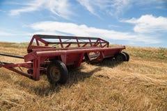 Rote Erntemaschine lizenzfreie stockfotos
