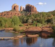 Rote Felsen-Überfahrt Stockfotos