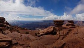 Rote Felsen an den im Voraus bezahlten Leistungen zeigen, Utah lizenzfreies stockbild