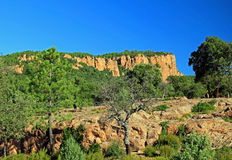 Rote Felsen-Klippen über den Schluchten Du Blavet 050 Lizenzfreie Stockfotos
