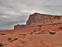 Rote Felsen-Klippen der Schlucht fasst Erholungsgebiet ein Stockfoto