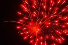 Rote Feuerwerke lizenzfreies stockfoto
