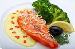 Rote Fische mit Zitrone Stockfotos
