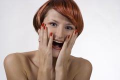 Rote Frau mit Studio Stockbild