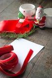 Rote Geschenkbox und Karte Lizenzfreies Stockbild