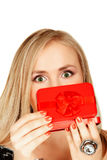 Rote Geschenkkastenüberraschung Stockfoto