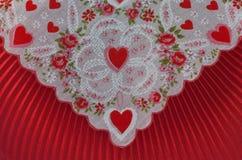 Rote Gewebeauslegung des Valentinsgrußinnerumschlags Stockbild