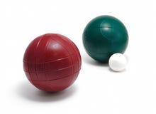 Rote grüne Bocce Kugeln u. Pallino (Jack oder Boccino) Lizenzfreies Stockfoto