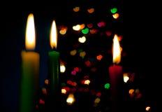 Rote, grüne und gelbe Kerzen Stockbilder