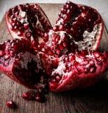 Rote Granatapfel-Startwerte für Zufallsgenerator Stockfotos