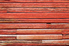 Rote hölzerne Beschaffenheit mit natürlichem Muster Lizenzfreie Stockfotografie