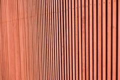 Rote hölzerne Wand mit alter natürlicher Beschaffenheit Stockfoto