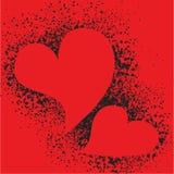 Rote Herzen auf Sprayschmutz plätschern Hintergrund Lizenzfreie Stockbilder