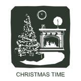 Rote Hintergrundnahaufnahme Innenraum des Hauses mit einem Kamin, Weihnachtsbaum, Geschenke, Dekorationen Lizenzfreie Stockfotos