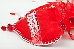 Rote Innere der Gewebe mit Kornen und Bogen Lizenzfreie Stockfotografie