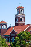 Rote katholische Kirche Stockbild