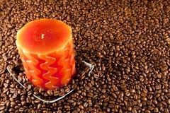 Rote Kerzen und Kaffee Stockfotos
