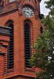 Rote Kirche in Postorna Stockfotos