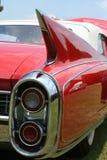 Rote klassische Auto-Heckflosse lizenzfreie stockbilder